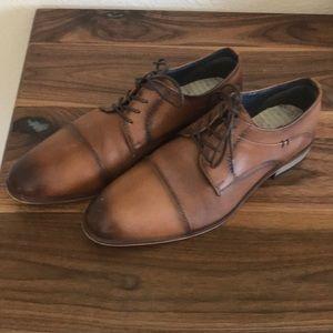 Modern fiction men's dress shoes